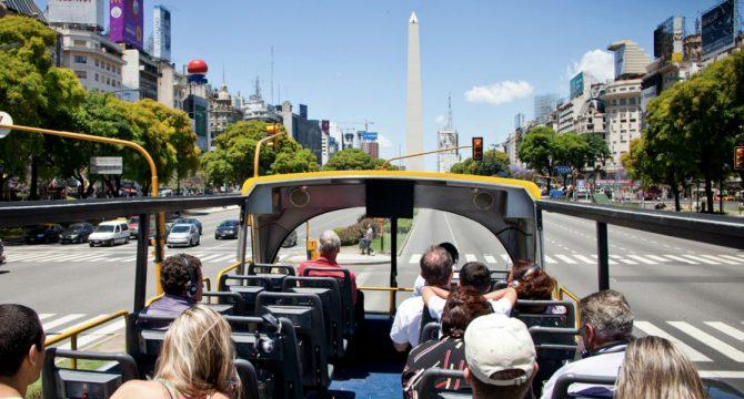 Se implementó el reintegro del IVA a turistas extranjeros por alojamiento