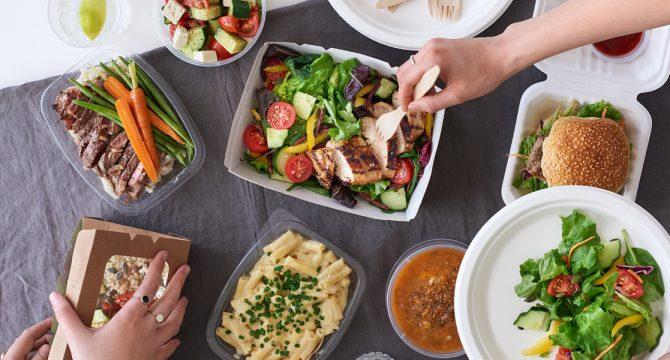 Distancia y entrega segura en comercios gastronómicos